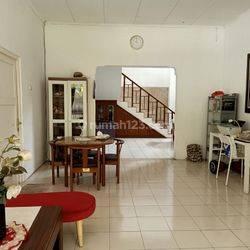 Rumah Lama Siap Huni di Jl. Saguling, Duren Tiga, Jakarta Selatan
