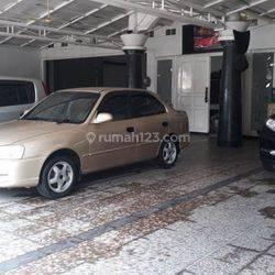 Rumah Lux ex Showroom Mobil di Pelajar Pejuang Bandung