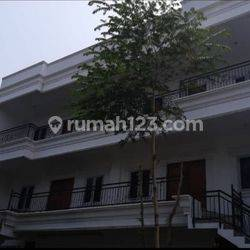 Rumah di Grisenda - PIK 8x20