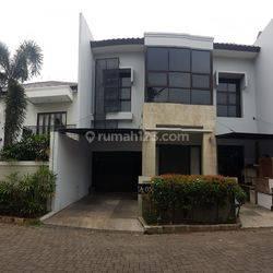 Cozy Townhouse di Kebagusan, Jakarta Selatan