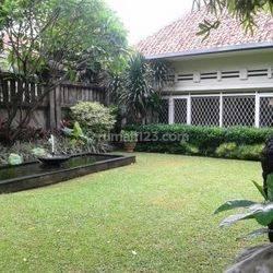 Rumah Cantik Dijual, Gaya kolonial, Asri, Menteng Jakarta Pusat