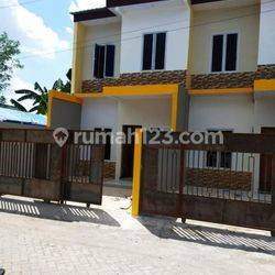 Ready stock Rumah keren 2 Lantai Lokasi Hertasning Baru