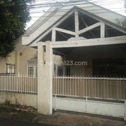 Rumah Siap Huni, Jl. Lapangan Ros I, Jln 2 Mbl, tdk Banjir