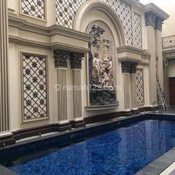 rumah ada kolam renang
