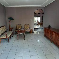 rumah luas cocok untuk kantor dan tempat tinggal furnish di dago atas
