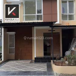 Rumah Baru dalam cluster mewah Andara Village Dekat MRT dan TOL andara