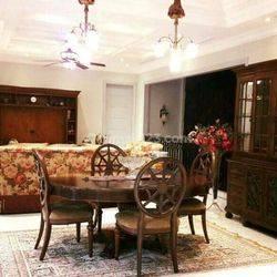 Luxurious house dalam town house lokasi strategis dekat Tol Simatupang