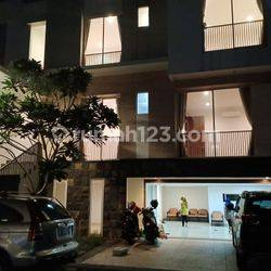 TOWN HOUSE AREA TB SIMATUPANG GOOD CONDITION,NICE HOUSE AND CHEAP