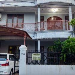 Sudah Turun Harga, Rumah Cantik 2 lantai di kelapa Dua, cocok Buat Kost2an