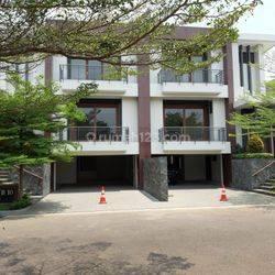 Rumah Lux Brand New dalam Cluster Mewah di Ampera dekat Kemang