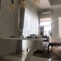 Rumah di Bintaro Pesanggrahan, Jakarta Sltn. Fully furnished dalam Townhouse