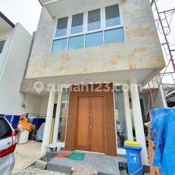 Town house brand new spec bagus