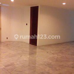 beautiful House for rent in center of jakarta area