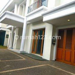 Comfortable and beautiful house In Kuningan area for expatriat and others The price can be negotiable