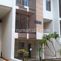 (READY to Live/Nice Furnished) Townhouse Elite SEAFRONT Ancol