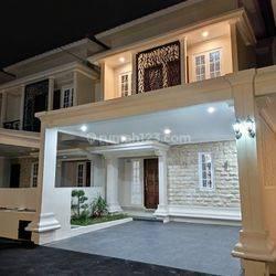 Rumah dua lantai siap huni dekat stasiun dekat tol