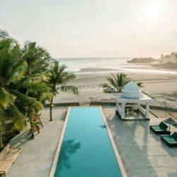 Luxury Villa Beach front Pasut