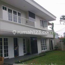 2 Storey House with 5 Bedrooms at Kuningan, Nice Pool and Garden