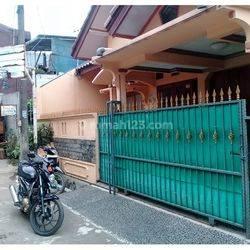 Rumah  di Bekasi Barat Bekasi