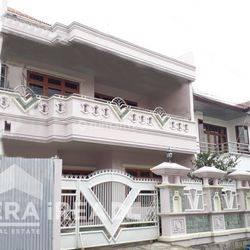 Rumah Tengah kota di Anggrek Semarang Tengah