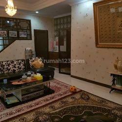 Rumah Mewah di Otista Jakarta Timur
