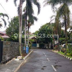 HOUSE AT TANJUNG BARAT 3BR GOOD FURNISH STRATEGIC AREA AND CHEAPER PRICE