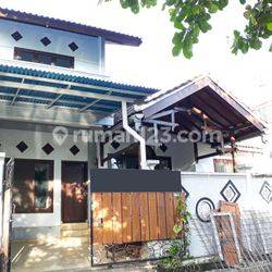 Rumah / Minimalist Two Storey House in a Quite Area at Ungasan, Bali
