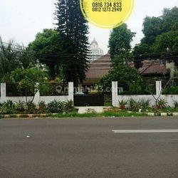 TerMURAH Rumah Jl Patal Senayan seberang Apartment Senayan Lt616m2 hitung tanah Bonus Bangunan Jakarta Selatan