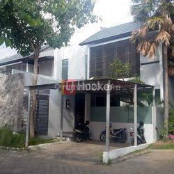 Rumah Cantik 2 Lantai di Perum. Sunset Lagoon Jl. Pura Mertasari Pemecutan Klod