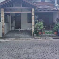 Rumah renov  semi Furnish di cluster dekat Gor Jakarta dan Supratman Riau