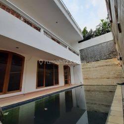 Rumah lama area exclusive di prapanca - kebayoran baru
