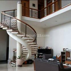 Rumah di Sayap Otista, Bandung