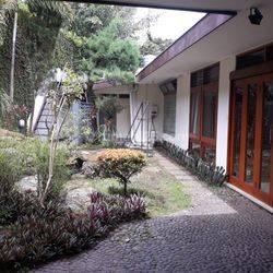 Rumah siap pakai asri terawat sayap Riau Supratman