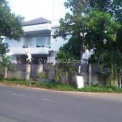 Rumah HUK harga miring hitung tanah LT 772mter bonus bangunan Menteng dalam Jakarta Selatan