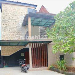 Villa 3 Kamar Tidur Dalam Komplek Pecatu Graha (VCJBUK29)