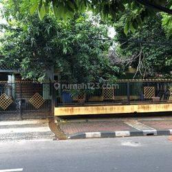 Rumah strategis Jl Guntur Jakarta Selatan