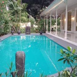 Luxury house in Brawijaya rea ready