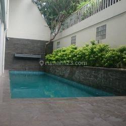Rumah (5BR) di Jaya Mandala (Gatot Subroto) Jakarta Selatan