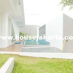 House for lease at Jeruk Purut nice and modern house near to kemang