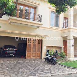 Compound for Lease nice and modern house at Ampera near to Kemang