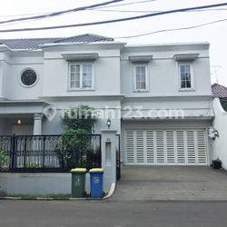 House for lease at Dukuh Patra kuningan nice and modern house prime location 24 hour security complex