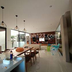Rumah Lux Mewah Rajawali Bandung Semi Furnished tdk jauh dari mainroad