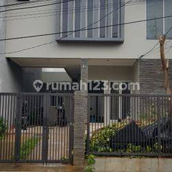 RUMAH TEBET JAKARTA SELATAN 3BR GOOD LOCATION FULLY FURNISHED AND CHEAPER PRICE