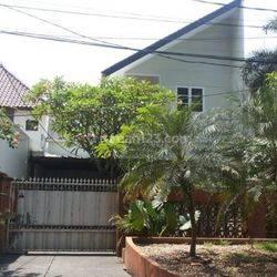 Rumah sangat  strategis dekat Stasiun LRT Senayan