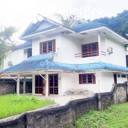 Rumah Shangri La 2 Lantai, Halaman Luas