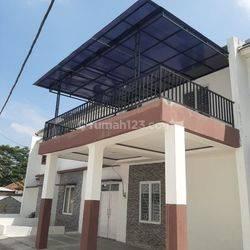 Rumah Mewah Dua Lantai Ala Arsitektur Eropa Di Raden Cibinong 5 Diskon 50 Jt