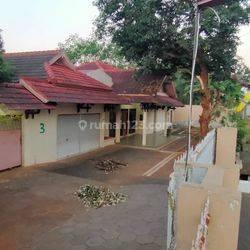 Rumah mewah samping Balatkop Srondol Banyumanik Semarang