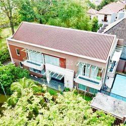 Rumah Hrga  Murah Bukit Taman Tirta Golf Bsd ada Kolam Renang Siap Nego