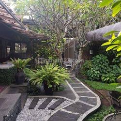 Rumah lingkungan asri di cipaganti