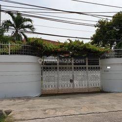 Rumah Lokasi Strategis Jl Panjang Raya